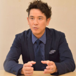 西村和彦が書道家の嫁との噂の離婚理由の真相とうどん屋の実家との関係